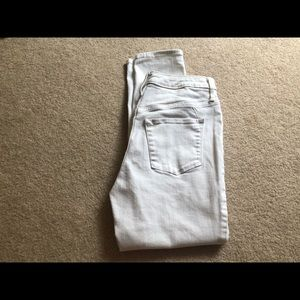 White cropped jeans OBO
